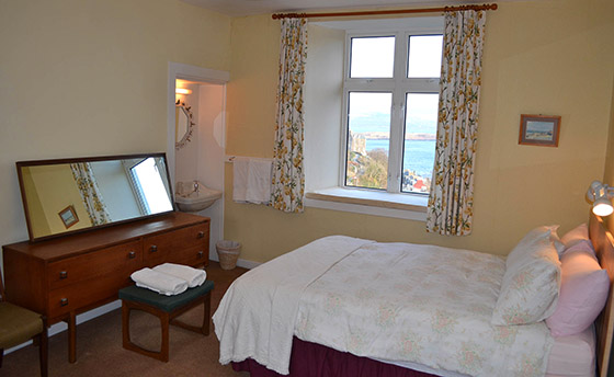 The Double Bed in Triple Room of The Rowans Self Catering, Tobermory
